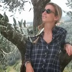 Plaid shirt in the countryside – Vinci (Toscana)