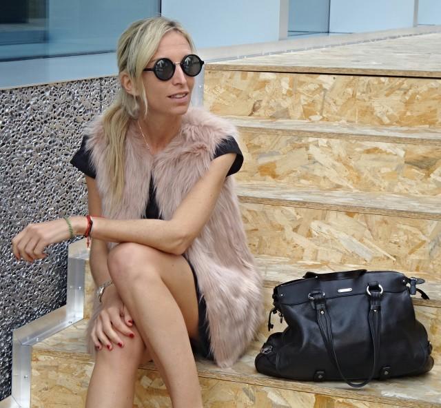 Fondazione Prada - Milano - Primark Outfit - Pink Fur Waistcoat