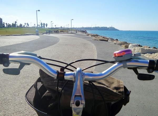 Lungomare di Tel Aviv in bici