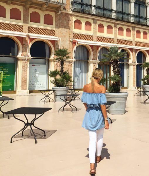 Hotel Excelsior Venezia - Denim & white outfit