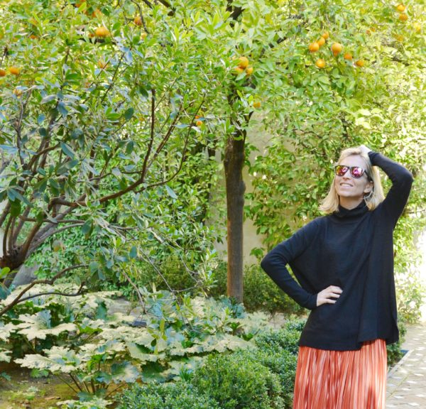 Spring outfit inspiration - Alcazar - Sevilla - Spain
